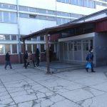 ZARAŽEN KORONOM SREDNJOŠKOLAC IZ PRIJEDORA Još devet učenika iz ove škole ide u izolaciju