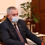 ZAHVALNOST MEDICINSKIM RADNICIMA Višković donirao voće kovid odjeljenjima u Srpskoj