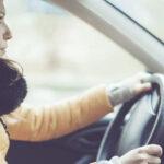 Zašto je opasno voziti u kaputu ili debeloj zimskoj jakni?!