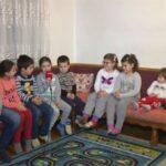 Selo kod Prijedora - u jednoj ulici 17 djece, još troje na putu (VIDEO)