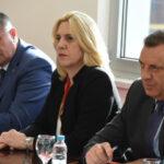 Zvaničnici Srpske na arhijerejskoj liturgiji: Dodik, Višković i Cvijanovićeva na ustoličenju patrijarha Porfirija