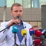Stanivuković potpiruje masu: Uvrede i zvižduci upućeni ekipi ATV-a (VIDEO)